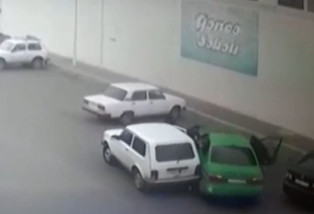 Gəncədə polisin yaralanması ilə nəticələnən əməliyyatın görüntüsü - ANBAAN VİDEO