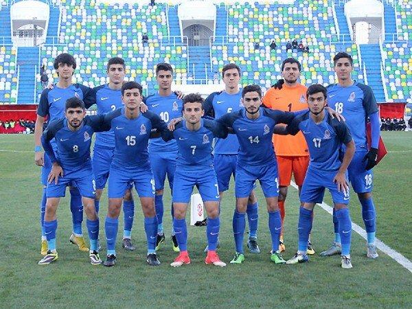 Siqarət çəkən futbolçular Azərbaycan millisinin heyətindən kənarlaşdırılıb