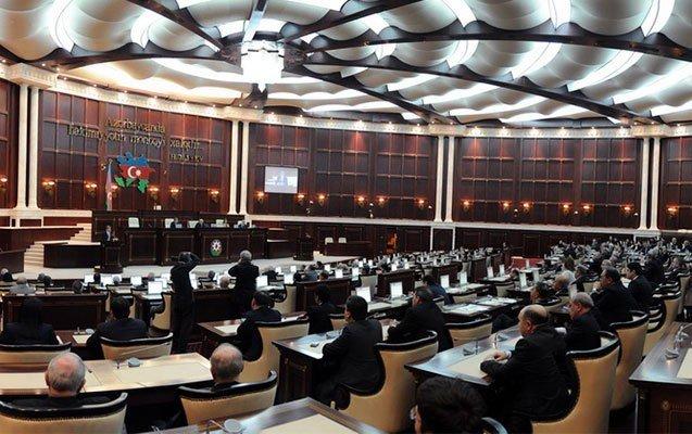 Deputatların tələbi ilə plenar iclas onlayn keçirilə biləcək