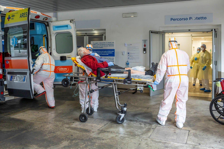 İtaliyada pandemiya qurbanlarının sayı 21 mini ötdü