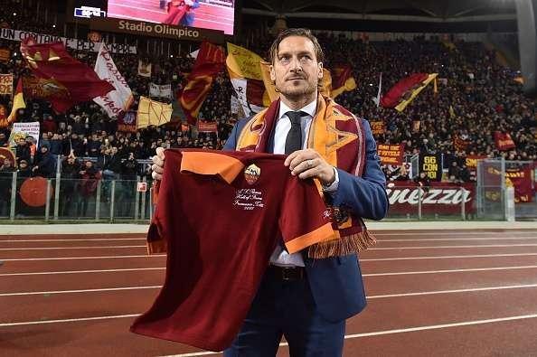 """""""Roma""""nın düşərgəsinə ayağımı da basmaram"""" – Totti"""