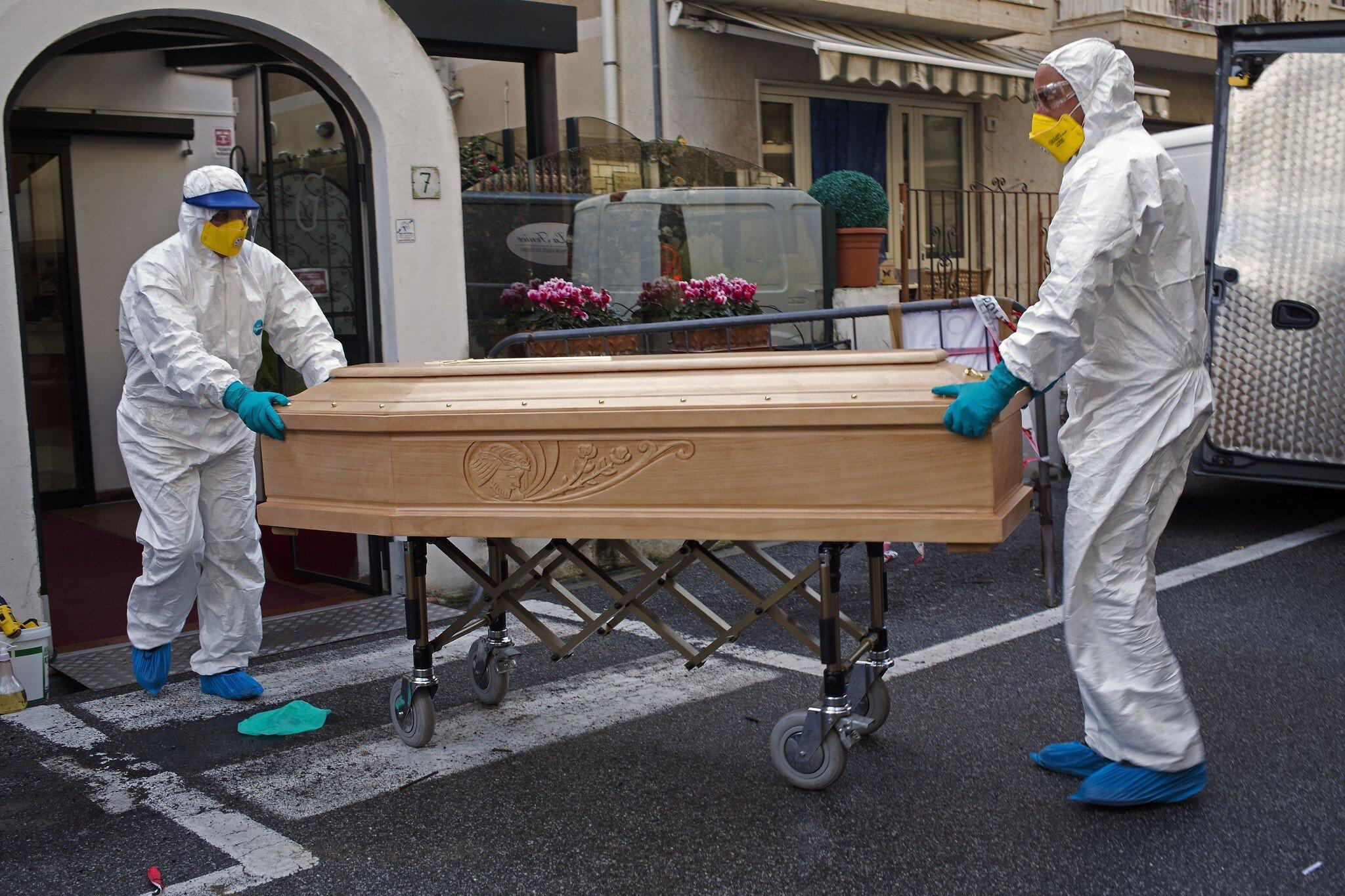 İtaliyada bir gündə 474 nəfər koronavirusdan öldü