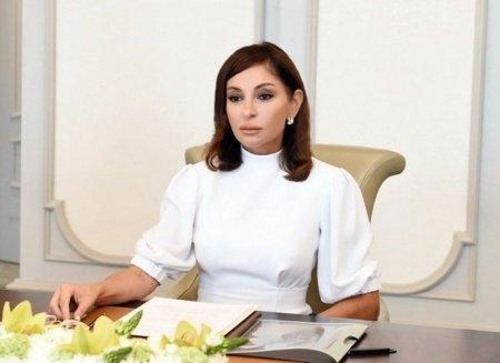 Birinci vitse-prezident Mehriban Əliyeva uşaqları təbrik edib