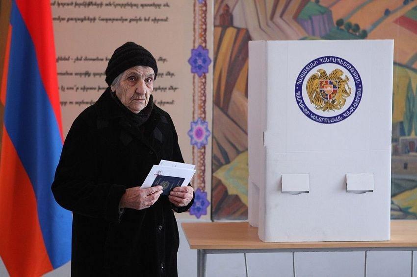 Ermənistanda referendum ləğv edilir