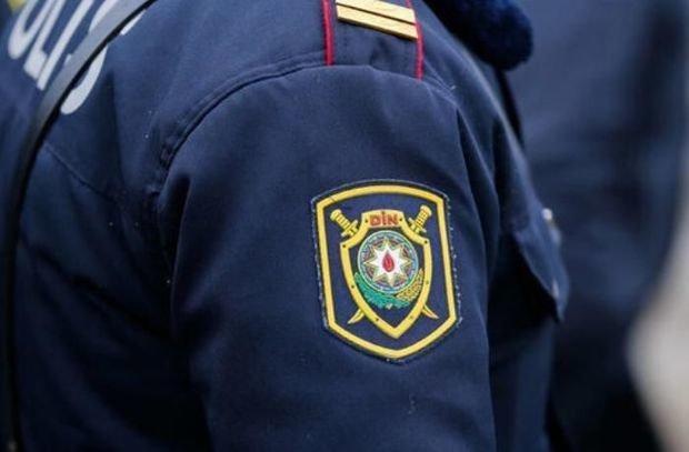 Bakıda evdən çıxmaq qadağasının ilk günündə polis qadının həyatını xilas etdi - VİDEO