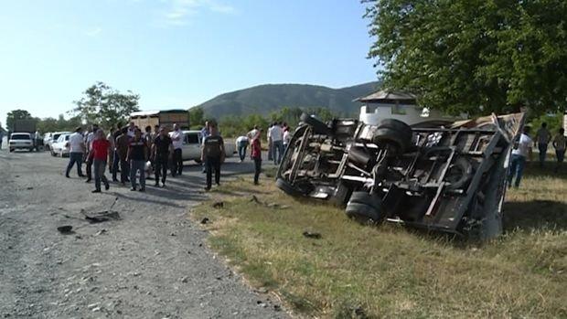 Şəkidə ağır qəza: Beş nəfər yaralandı - VİDEO