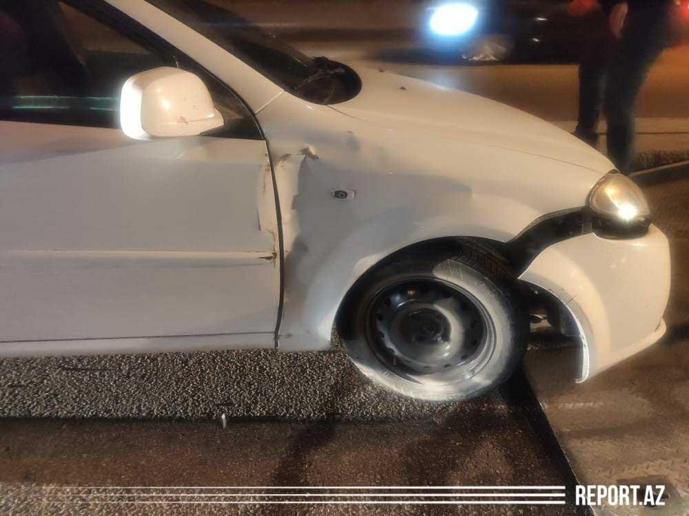 Şıxda təkəri partlayan avtomobil qəzaya uğradı