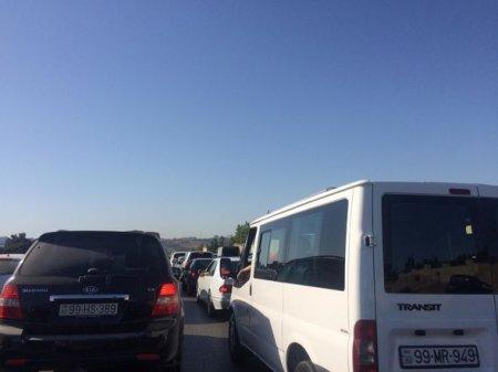 Bakı-Sumqayıt yolunda tıxac yarandı - FOTO