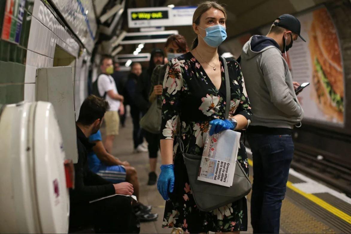 Britaniyada pandemiya qurbanlarının sayı 43,7 mini ötdü