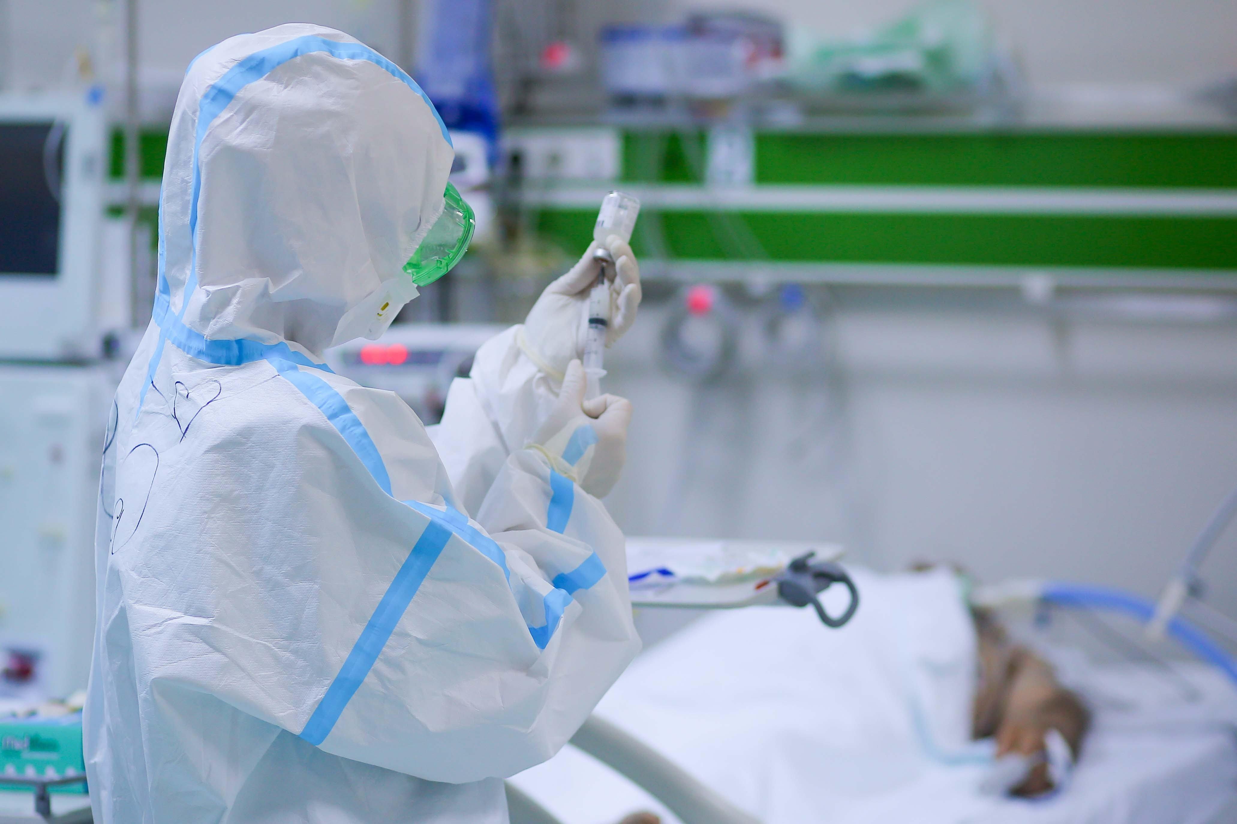 """Koronavirusdan müalicə alan gənc: """"Çox qorxdum, heç vaxt belə halla rastlaşmamışdım..."""" - MÜSAHİBƏ"""