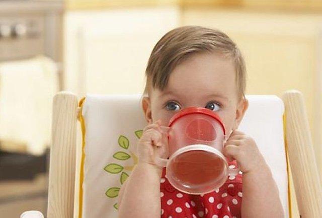 Pediatr: Uşağı şirin çayla böyütmək olmaz!