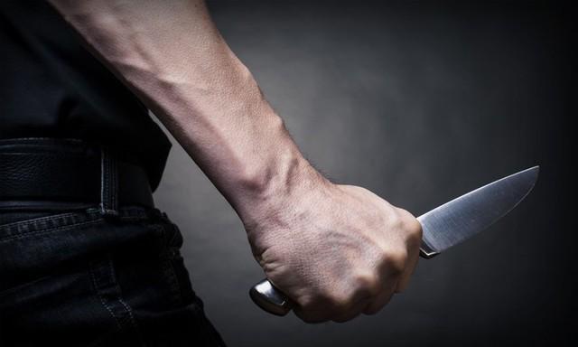 Bakıda 40 yaşlı kişi bıçaqlandı