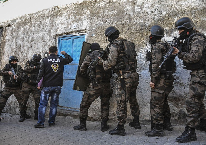 Daha 5 PKK-çı Türkiyə ordusuna təslim oldu