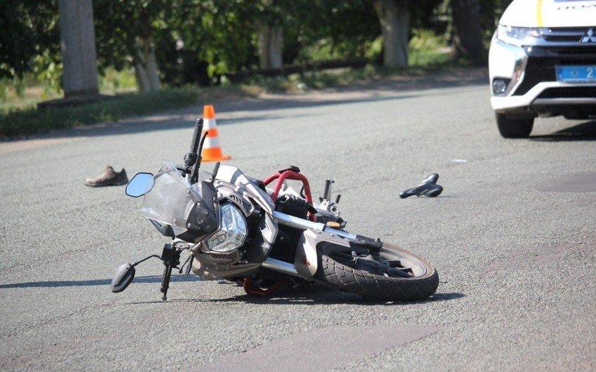 Bakıda sürücü iki gənci vuraraq hadisə yerindən qaçıb