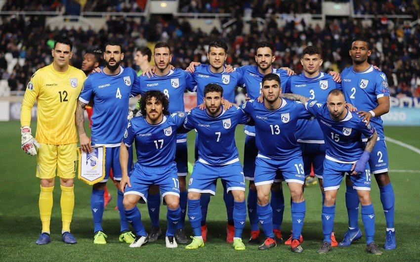 Kipr yığması Azərbaycanla matçdan öncə 2 futbolçudan imtina etdi