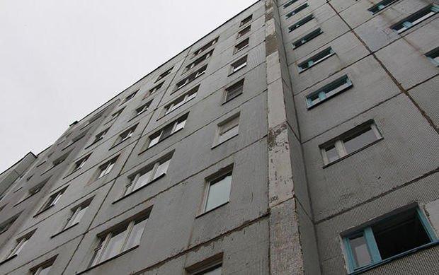 Bakıda 38 yaşlı kişi binadan yıxılaraq ölüb