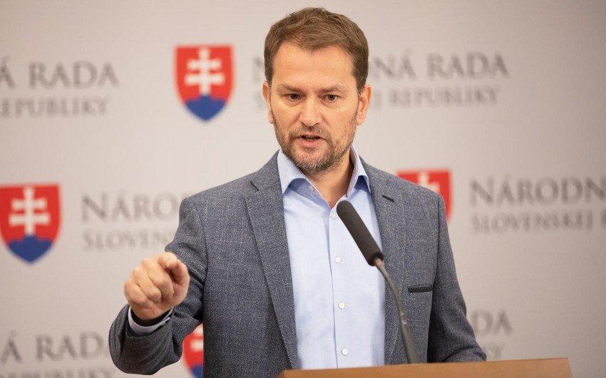 Slovakiyanın Baş naziri koronavirusa görə karantinə getdi