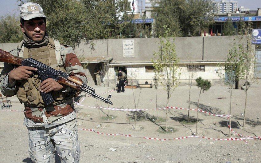 Əfqanıstanda silahlılarının hücumu nəticəsində 10-dan çox polis ölüb